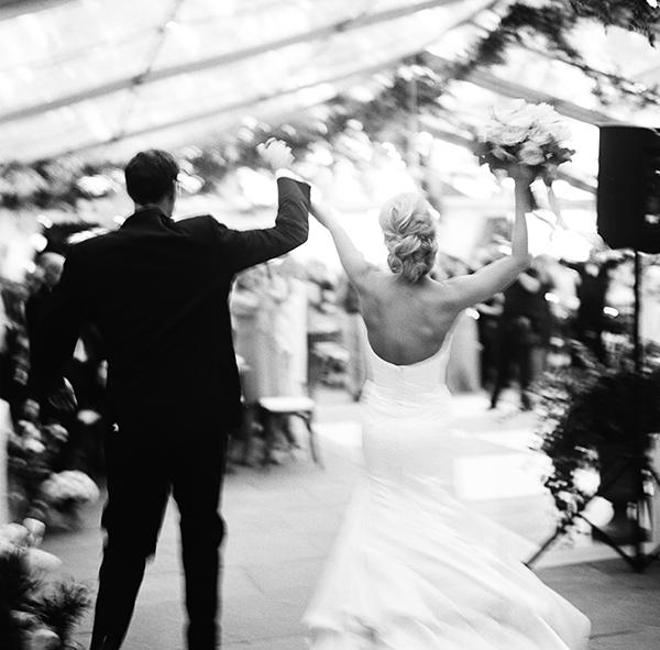 Charleston Wedding Photographers Virgil Bunao A Lush Lowndes Grove Wedding in September