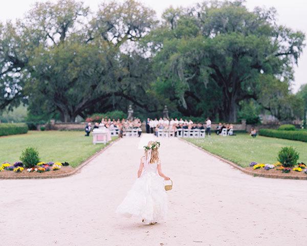 Charleston Wedding Photographers Virgil Bunao A New England Style Boone Hall Plantation Spring Wedding