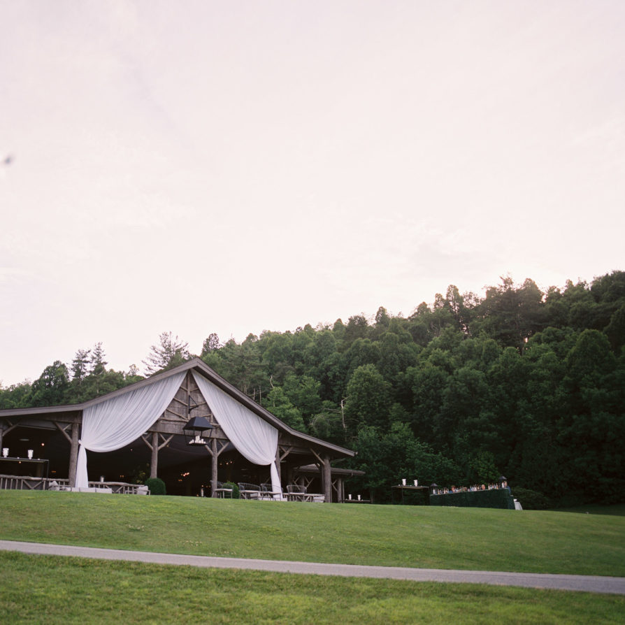 Linville Weddings in North Carolina by Linville Luxury Wedding Photographer Virgil Bunao