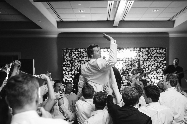 Charleston Wedding Photographers Virgil Bunao A Downtown Charleston Wedding at the Carolina Yacht Club