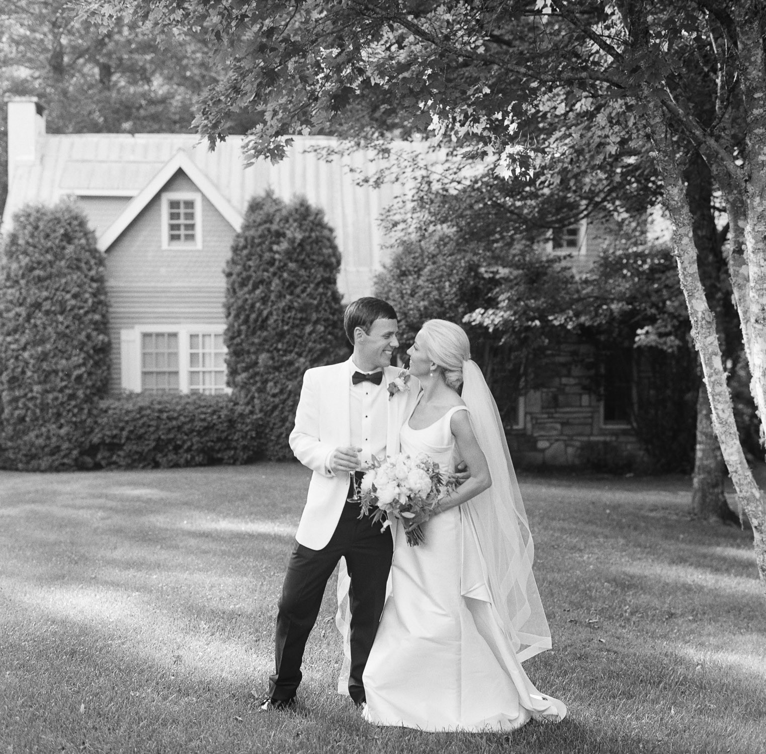 Highlands North Carolina Luxury Fine Art-Weddings by Photographer Virgil-Bunao-Photography
