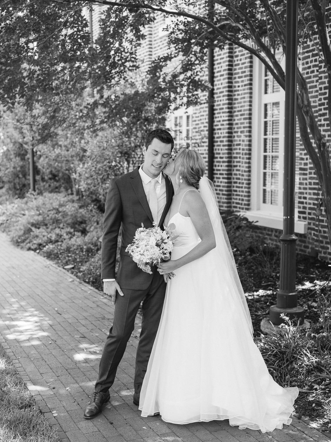 Charleston Wedding Photographers Virgil Bunao Summer Wedding in Downtown Charleston